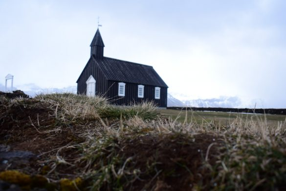 black church Buðir