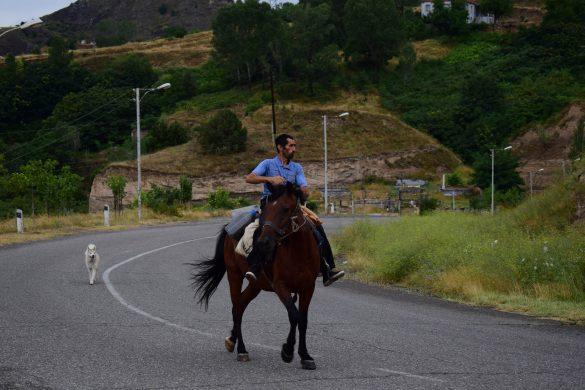 jazdec v Náhornom Karabachu