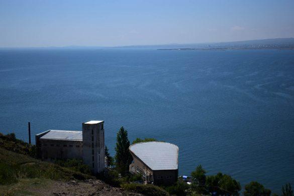 dom spisovateľov a jazero Sevan, Arménsko