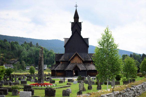 najväčší tradičný drevený nórsky kostol - Heddal